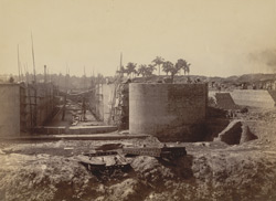 Lift Lock in Canal from Tolly's Nullah to Dock, Calcutta Docks
